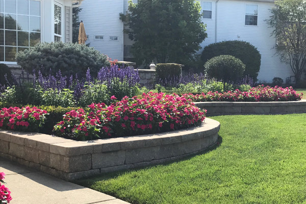 floral beds by frate landscaping